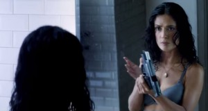 "Salma Hayek w filmie ""Everly"" - fot. screen z Youtube"