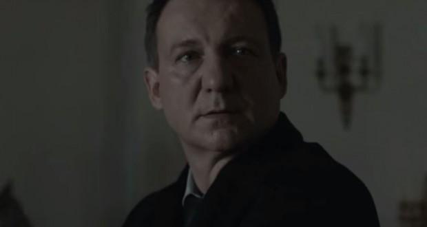 """Robert Więckiewicz w filmie """"Ziarno prawdy"""" - fot. screen z Youtube"""