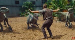 Chris Pratt poskramia welociraptory w zwiastunie Jurassic World