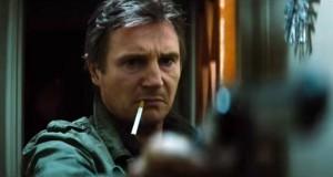 Liam Neeson w filmie Nocny pościg mierzy z broni - recenzja