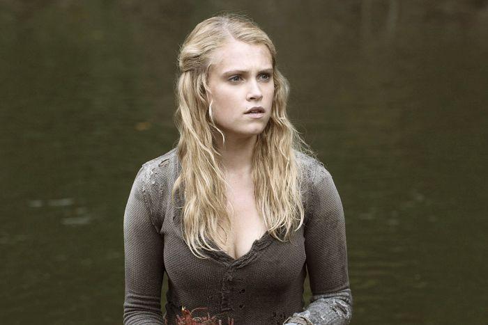 Hot Eliza Taylor w roli Clarke w serialu The 100.