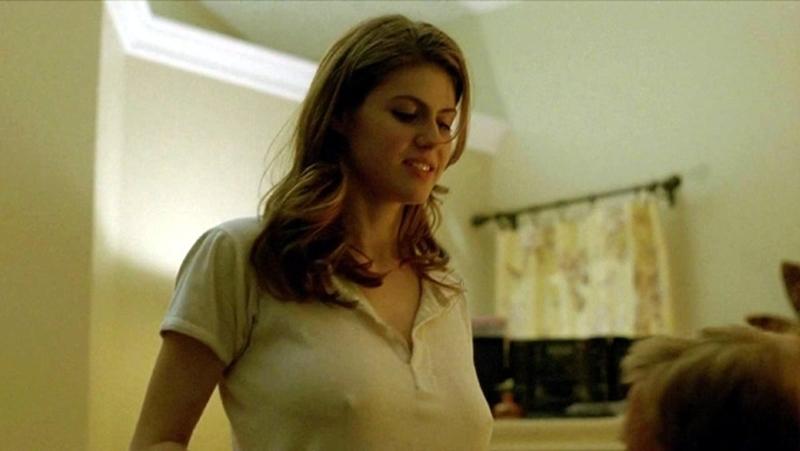Alexandra Daddario seethrough w serialu True Detective
