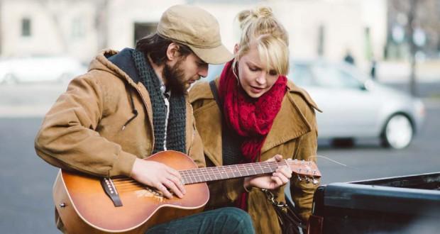 Ben Barns i Katherine Heigl w filmie Jackie & Ryan