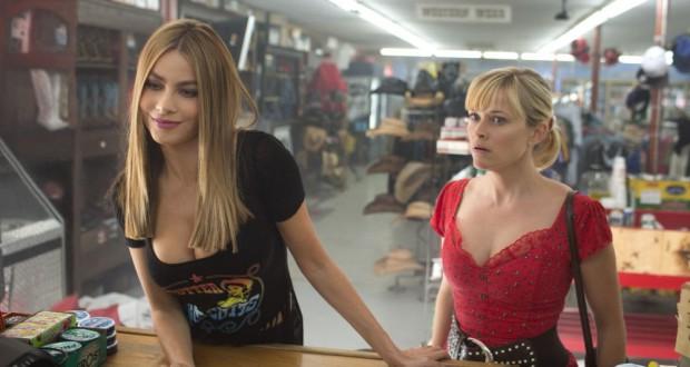 Sophia Vergara i Reese Witherspoon dekolt - recenzja Gorący pościg