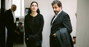 Ronit Elkabetz i Menashe Noy w filmie Viviane chce się rozwieść - recenzja