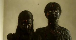 kadr z filmu We Are Still Here