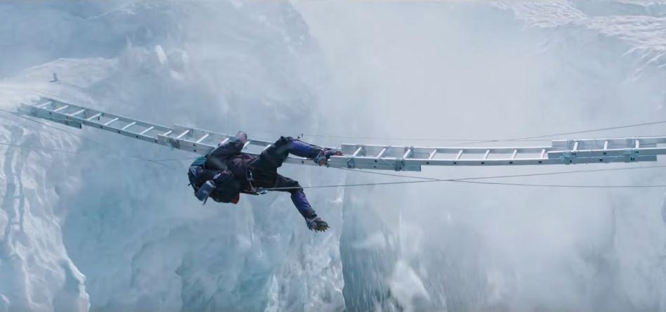 Josh Brolin o krok od spadnięcia w przepaść w filmie Everest