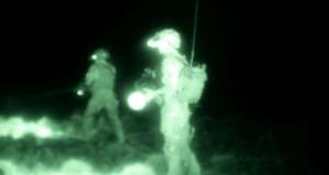 Front w dolinie Wakhan - żołnierze widziani przez noktowizor