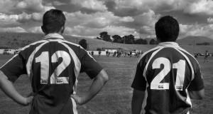 Nowozelandzcy rugbiści w filmie Zdobyte pole