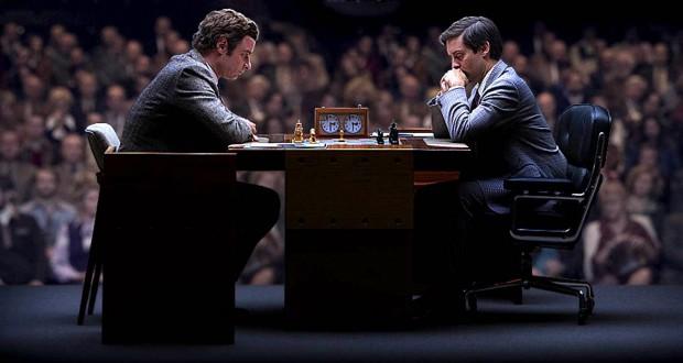 Liev Schreiber i Tobey Maguire w filmie Pawn Sacrifice.