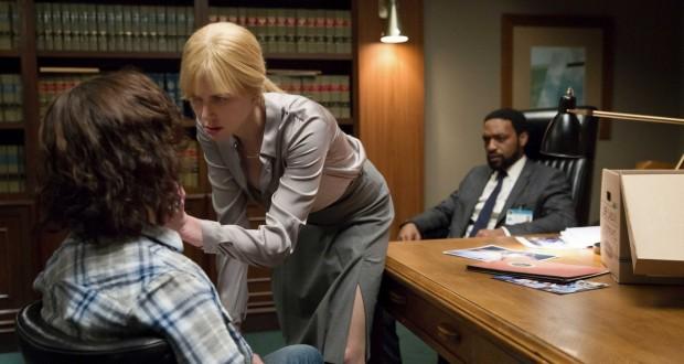 Sekret w ich oczach - dekolt Nicole Kidman