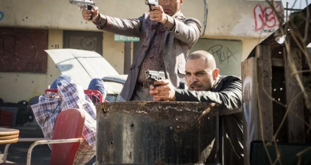 Serialowo, s12e02. Better Call Saul. Netflix. Michael Mando as Nacho Varga; group - Better Call Saul _ Season 4, Episode 4 - Photo Credit: Nicole Wilder/AMC/Sony Pictures Television