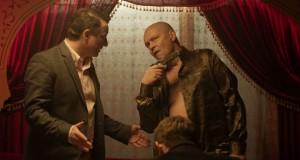 Ślepnąc od świateł (2018). Recenzja serialu Krzysztofa Skoniecznego. HBO